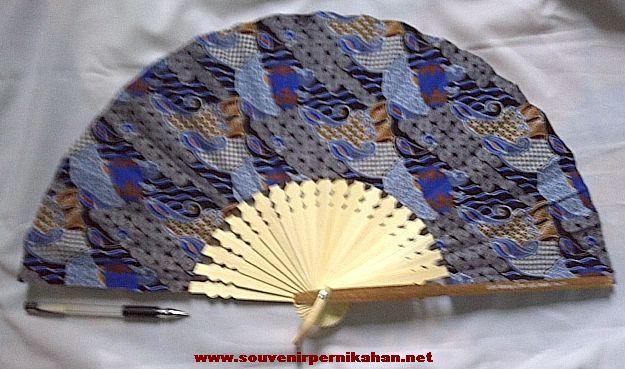 Kipas Batik Jumbo biru