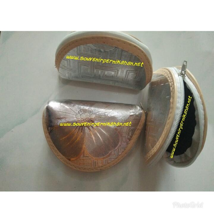 Souvenir Dompet Oval Perak Elegan