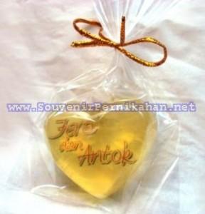 Sabun Transparan Unik Dengan Logo Atau Foto Dalam Sabun