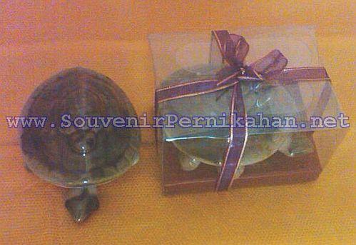 souvenir keramik murah Kura-kura goyang