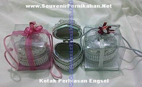 Souvenir kotak perhiasan engsel