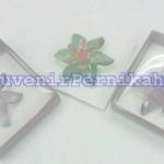 Souvenir Bross Akrilik Bunga Bintang