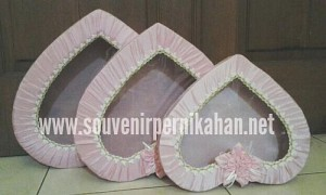 Kotak Seserahan Pernikahan Love (Hati)