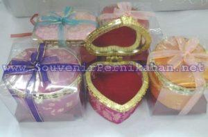 Kotak Perhiasan Khusus Cincin