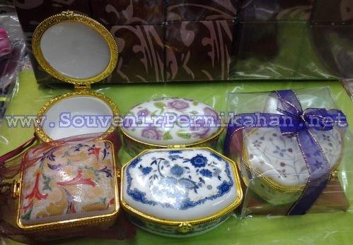 kotak tempat perhiasan keramik