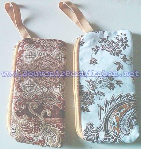 souvenir dompet hp batik murah