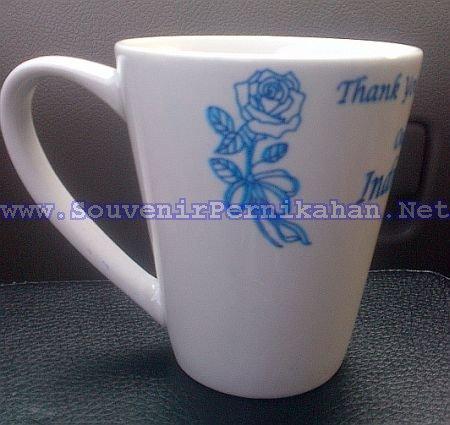 souvenir mug murah sablon bentuk cone