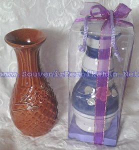 Souvenir Pernikahan Vas Bunga
