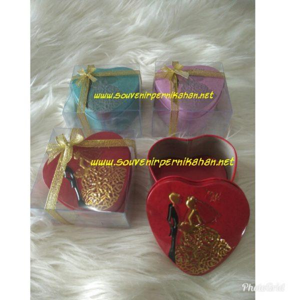 Kotak perhiasan love