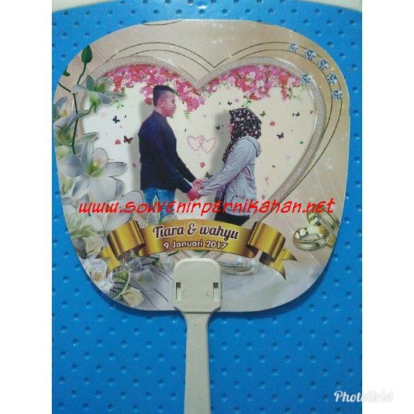 Souvenir Pernikahan Kipas Kertas