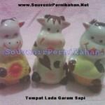 Souvenir Salt and Pepper (Tempat Merica Garam) Keramik Bentuk Sapi